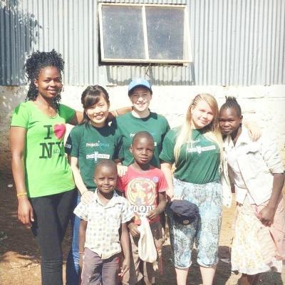 ケニアでチャイルドケア&地域奉仕活動 H.Y.